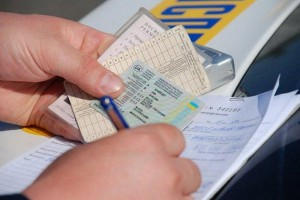 Кого не затронут изменения сроков действия водительских прав