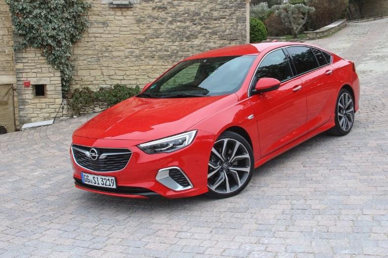 Тест Opel Insignia GSi — как едет возрожденная спортивная версия?