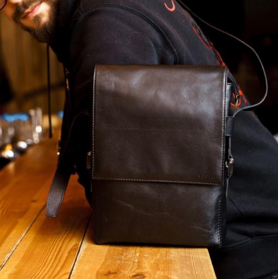 Мужские сумки из натуральной кожи: для солидного образа — лучше не придумать